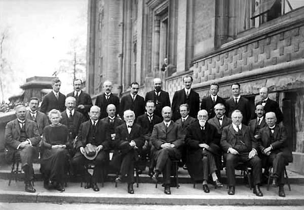 Solvay_conference,_1924