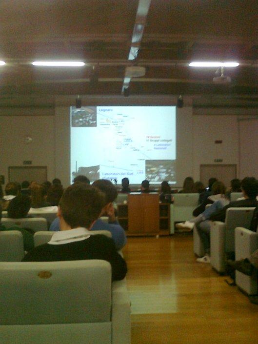 Lezione sulle particelle a Frascati 2013